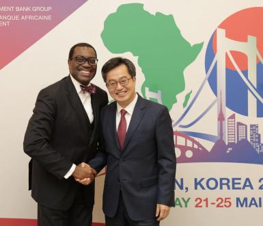Akinwumi Ayodeji Adesina, président de la Banque africaine de Développement et Dong Yeon Kim, Vice-Premier ministre de la Corée du Sud, KOAFEC, mai 2018