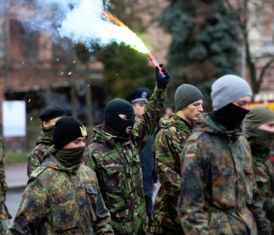 rnv95_right-radicals-image.jpg