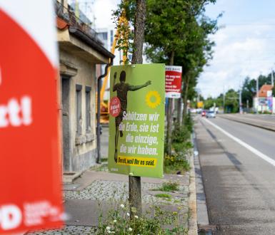 Des affiches avec le slogan de campagne du parti « Die Grünen », Augsbourg, Bavière, Allemagne - 06 août 2021
