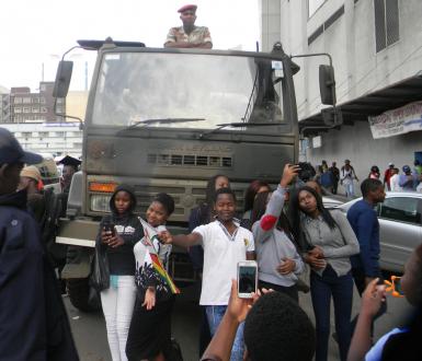 conf démocratie en Afrique