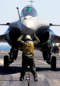 Acquisition d'armement et industries : appel d'Europe