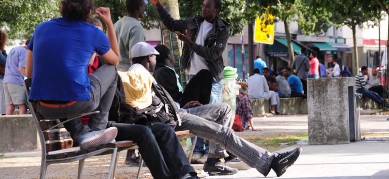 Campement de réfugié.es aux Jardins d'Eole, Paris 19e. cc Cuervo/AL Paris-Sud