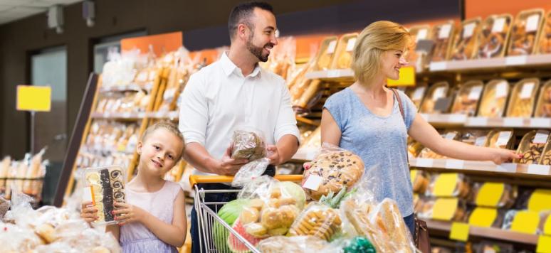 Une famille russe au supermarché