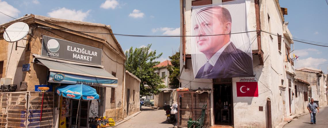 Une affiche d'Erdogan dans une rue de Nicosie-nord