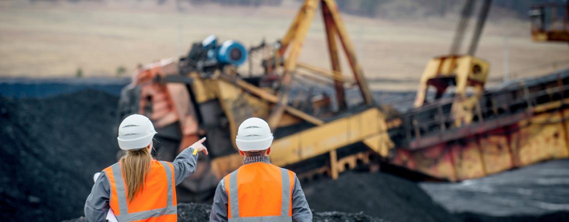 Ouvriers de mines de charbon à ciel ouvert
