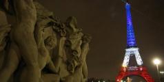 Tour Eiffel-bleu-banc-rouge.jpg