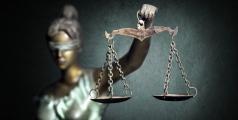 Statue représentant la Justice (balance)