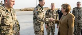 03_zum_fuenften_mal_besucht_merkel_seit_ihrem_amtsantritt_die_deutschen_isaf_soldaten_in_afghanistan.jpg