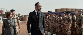 edouard-philippe-premier-ministre-chef-gouvernement-visite-troupe-armee-francaise-soldat-militaire-barkhane-serval-nord-mali_2.jpg
