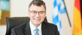 Dr. Florian Herrmann (Chef de la chancellerie et ministre d'État de Bavière). Crédits photographiques : chancellerie de Bavière