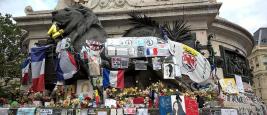 le_monument_a_la_republique_recouvert_dhommages_a_lattentat_de_nice_du_14_juillet_2016.jpg