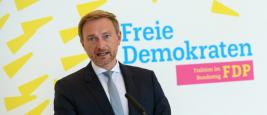 Le président du FDP Christian Lindner répond aux questions avant la réunion du groupe parlementaire à Berlin. 15 septembre 2020.