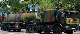 Camion-citerne (Carapace) de la Base pétrolière interarmées de Chalon-sur-Saône, 14 juillet 2013.