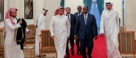 L`Émir du Qatar Sheikh Tamim bin Hamad Al Thani à Dakar, accueilli par le président Macky Sall, Dakar - 21 décembre 2017
