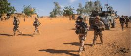 Soldats français au Mali pendant l'opération Barkhane (2015)