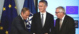 Le président du Conseil Européen Donald Tusk, le secrétaire général de l'OTAN Jens Stoltenberg, le président de la Commission Européenne Jean-Claude Juncker