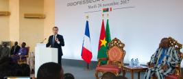 Emmanuel Macron lors de son discours à l'université Ouaga I, novembre 2017