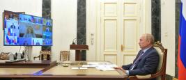 Vladimir Poutine en visioconférence avec le gouvernement russe