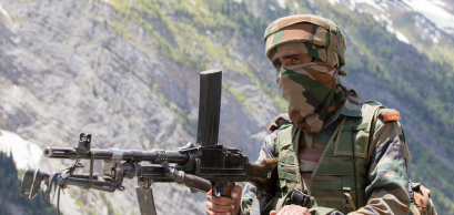 JAMMU AND KASHMIR, INDIA - JUNE 12, 2015 : Unknown Indian frontier guard. Indian Army checkpoint in Kashmir Himalayas.