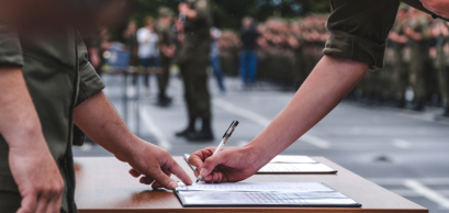 signature contrat armée.jpg